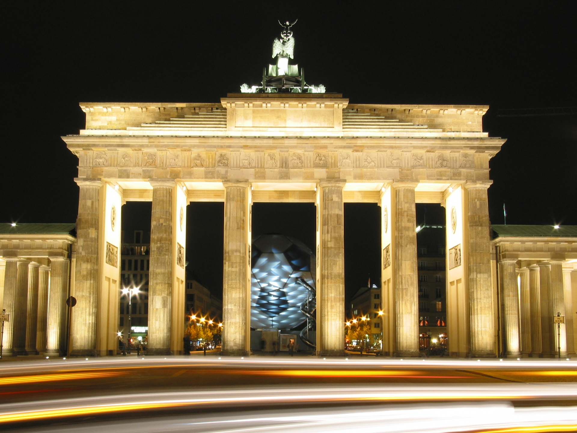 Brandenburg Gate Wallpaper 1920x1440 ID24553 1920x1440