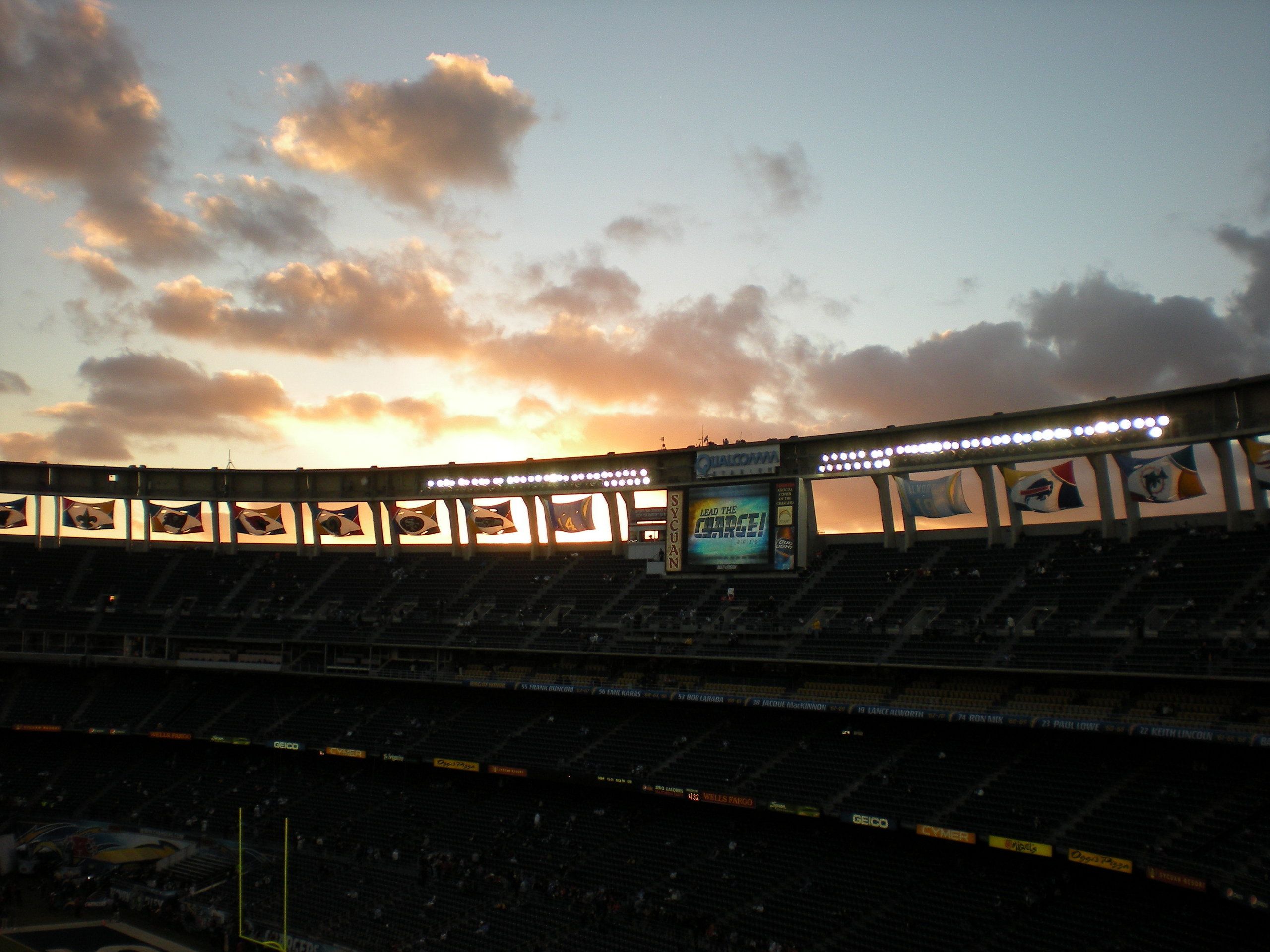 gameday   San Diego Chargers Photo 18151351 2560x1920