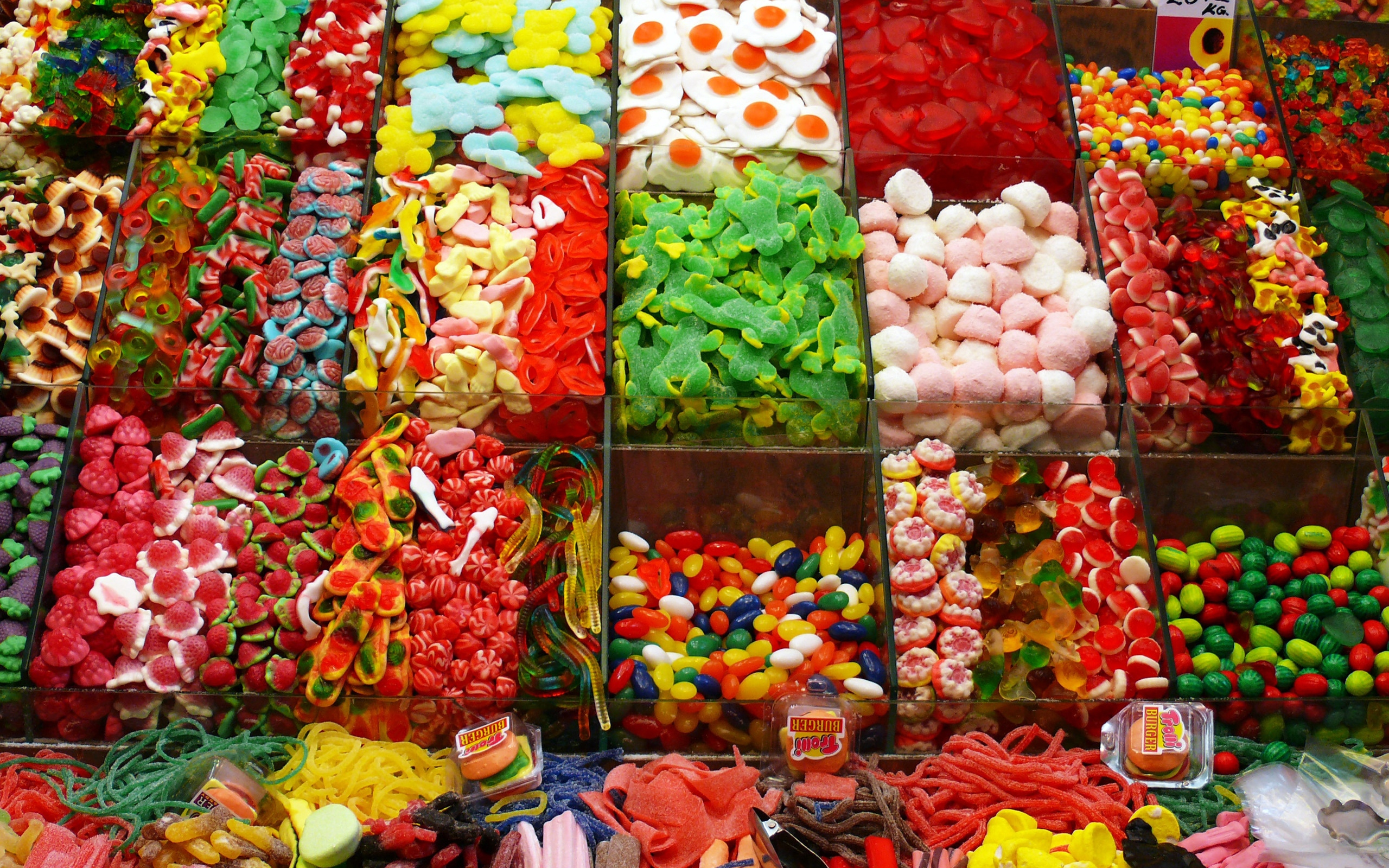 Candy Sweets Different Many Small Store Countertop Market Showcase 2560x1600