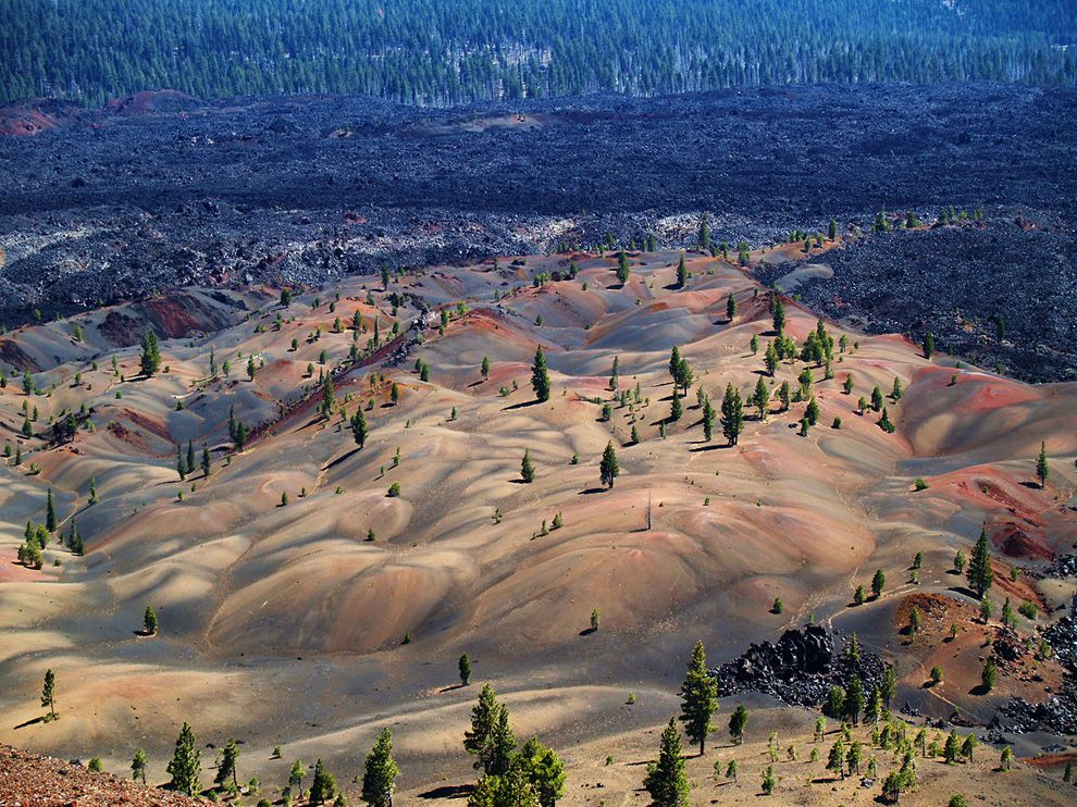 Geographic Wallpapers   Painted Dunes Lassen Volcanic National Park 990x742