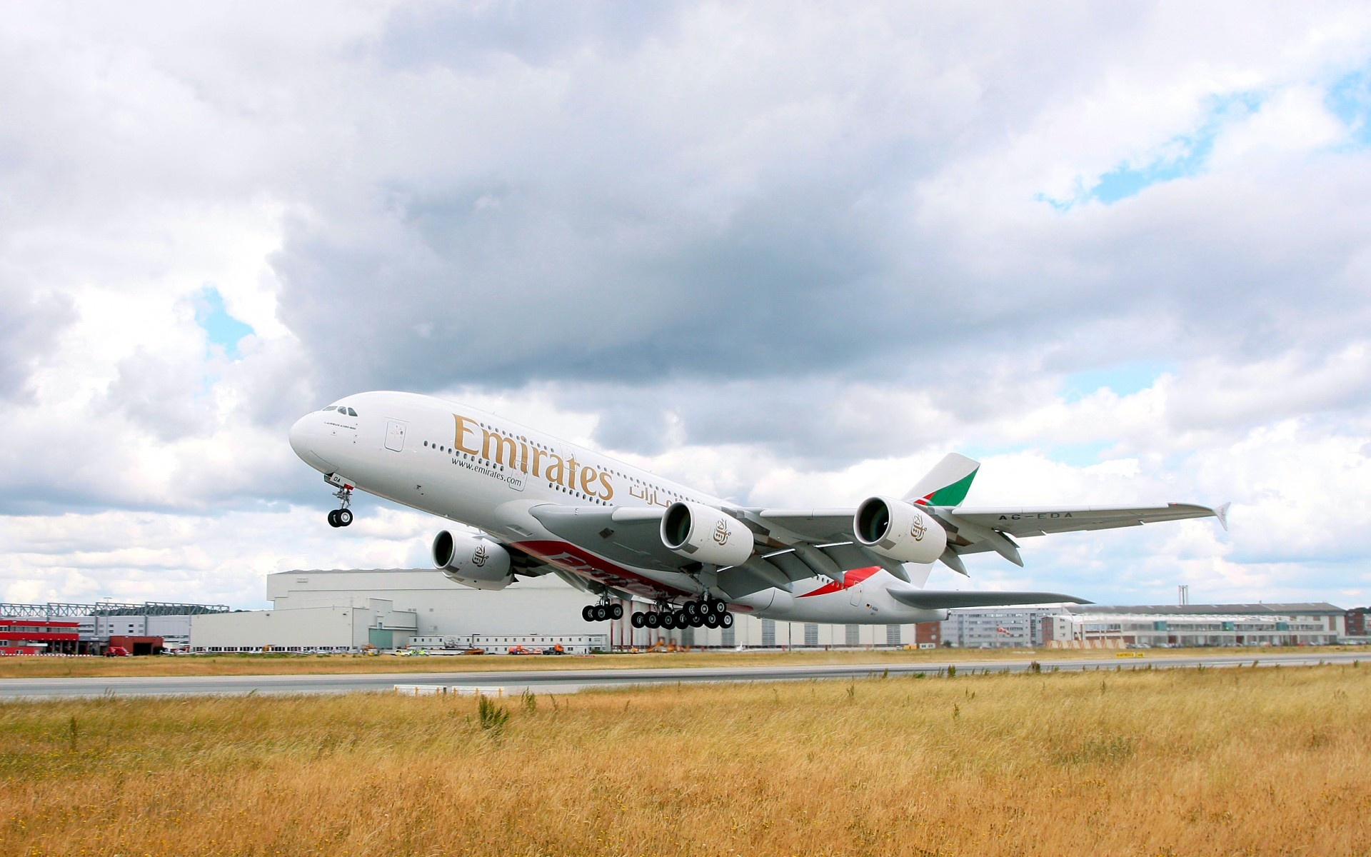 Wallpaper Emirates Airbus Airbus A380 Aircraft plane 1920x1200