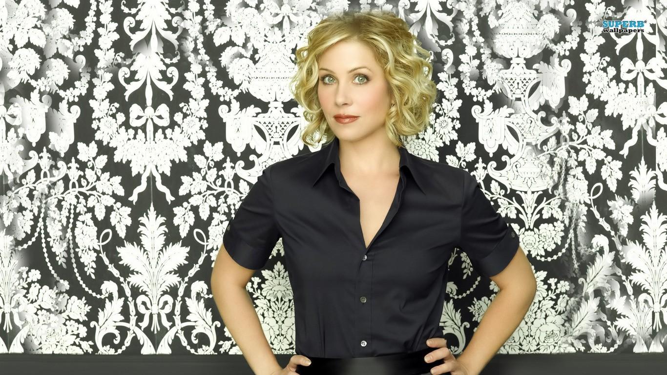 Pics Christina Applegate Celebrity Wallpaper HQ Backgrounds HD 1366x768