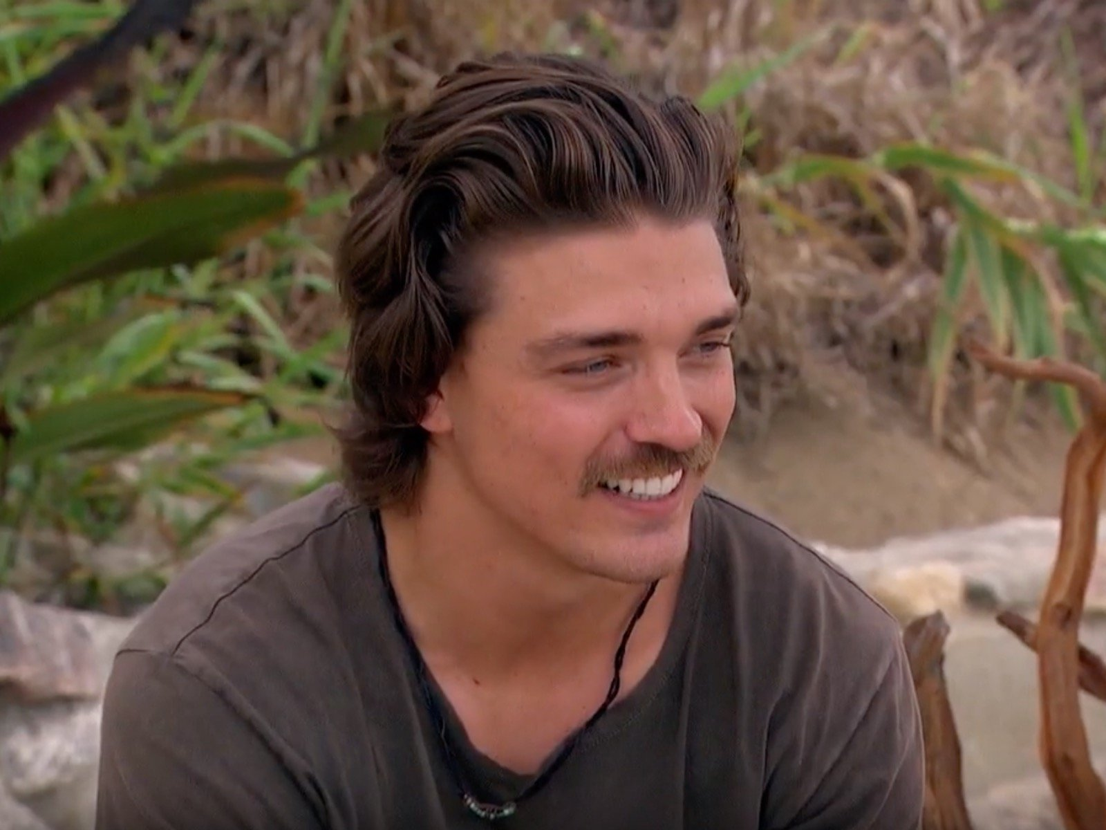Bachelor in Paradise recap Dean returns with a furry unwelcome 1600x1200