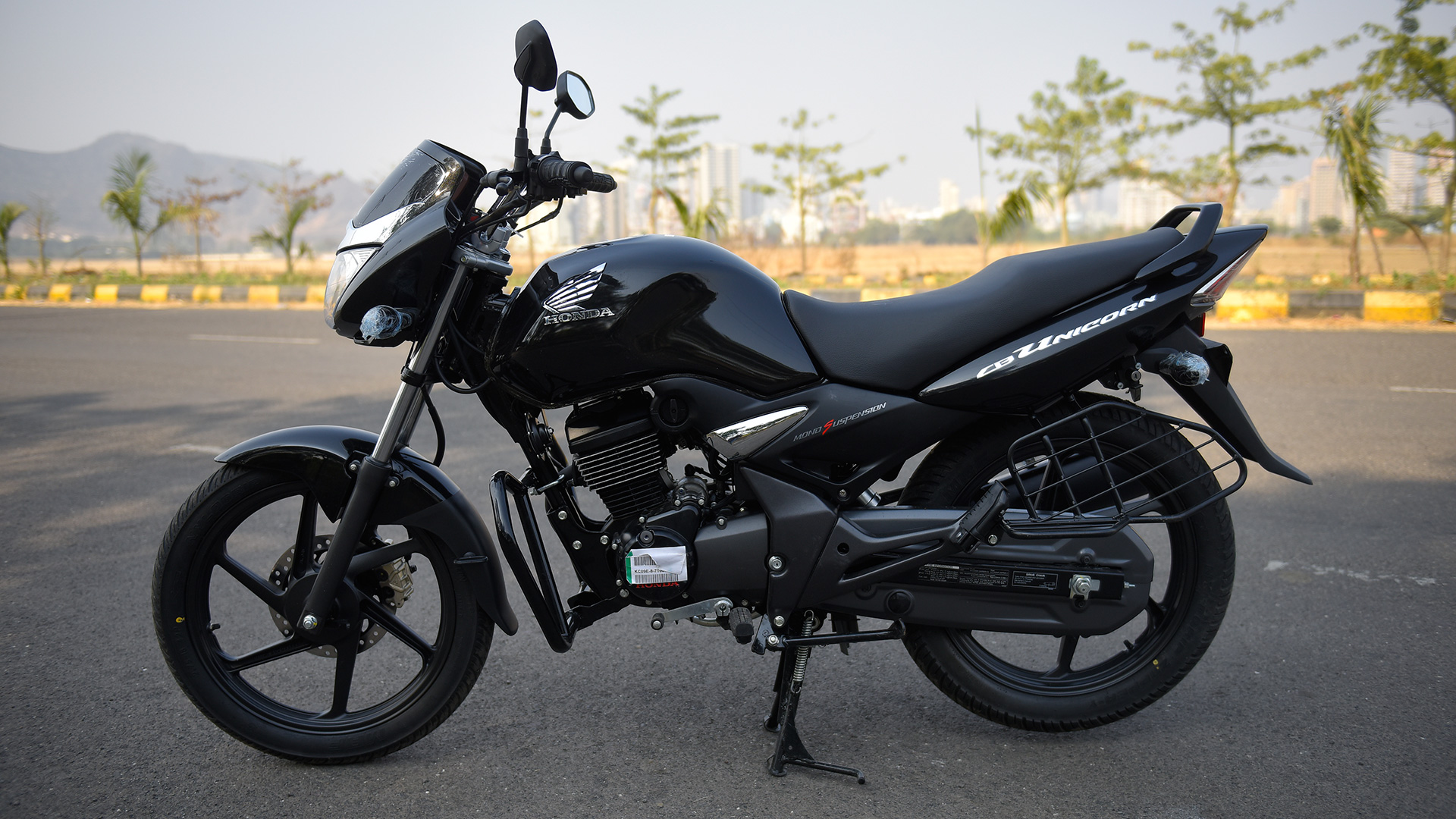 Honda Cb Unicorn 150 2016 Std   Unicorn 150 Black Color 1920x1080
