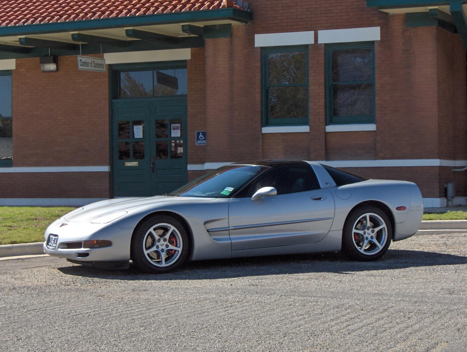 site2008042318212000 chevrolet corvette coupe pic 14788jpeg 1593x1200