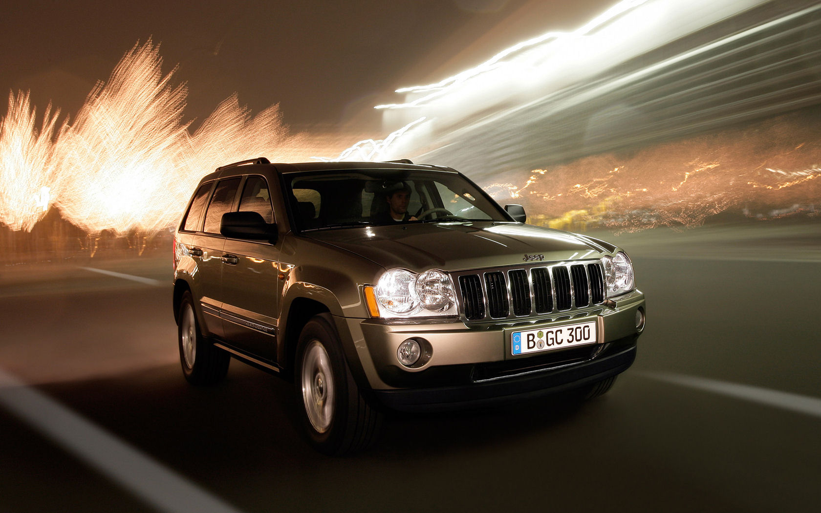 Jeep Jeep Grand Cherokee Jeep Grand Cherokee Desktop Wallpapers 1680x1050