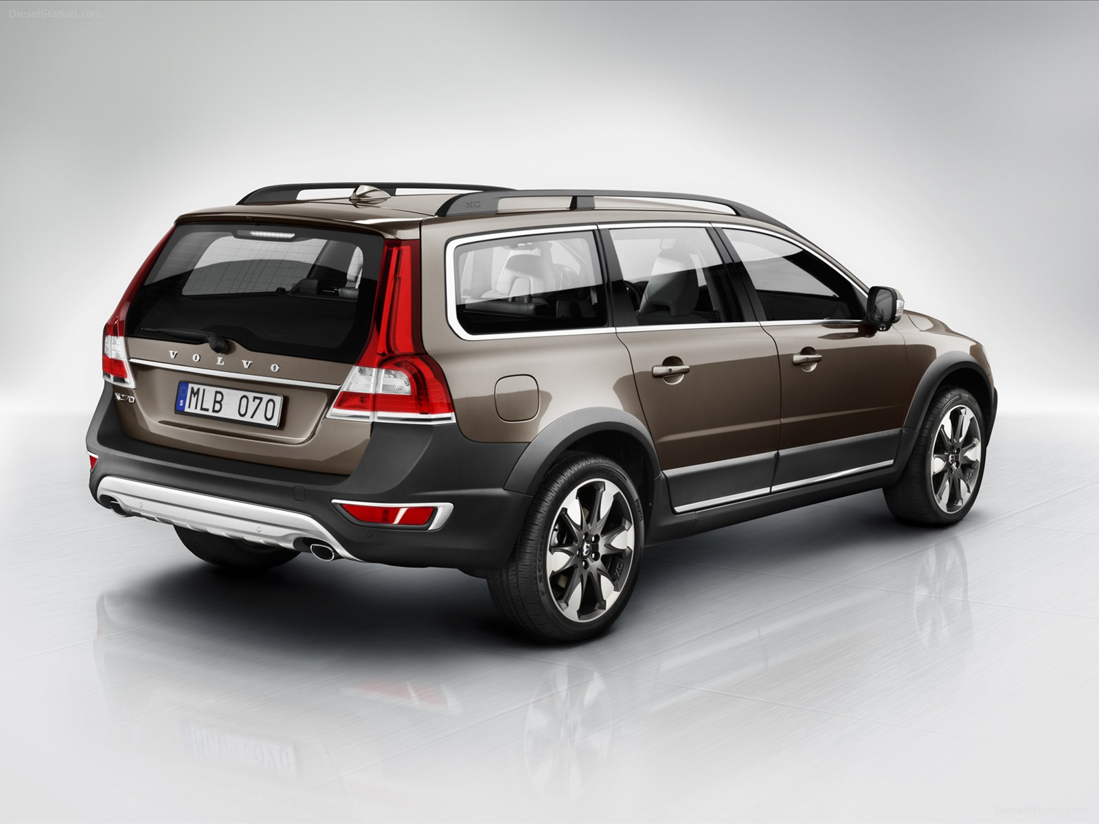 Volvo XC70 2014 Exotic Car Wallpapers 02 of 12 Diesel Station 1600x1200