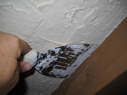 Plastering angle This is using plaster on a popcorn ceiling 520x390