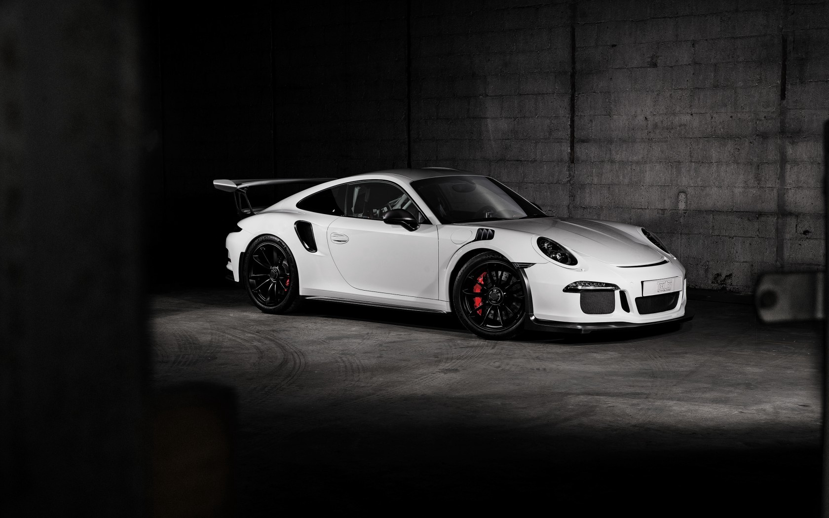 Download wallpaper 1680x1050 porsche 911 gt3 side view white 1680x1050