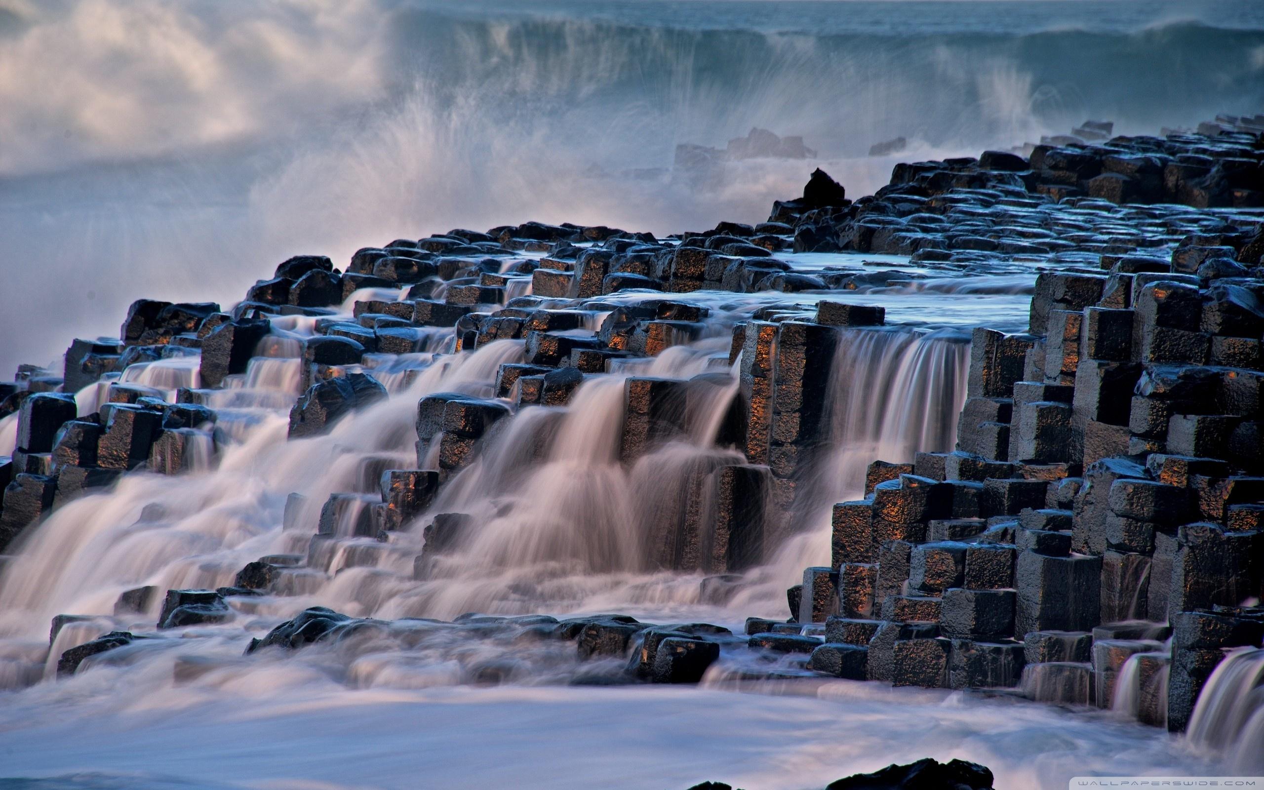Giants Causeway Antrim Northern Ireland 4K HD Desktop Wallpaper 2560x1600