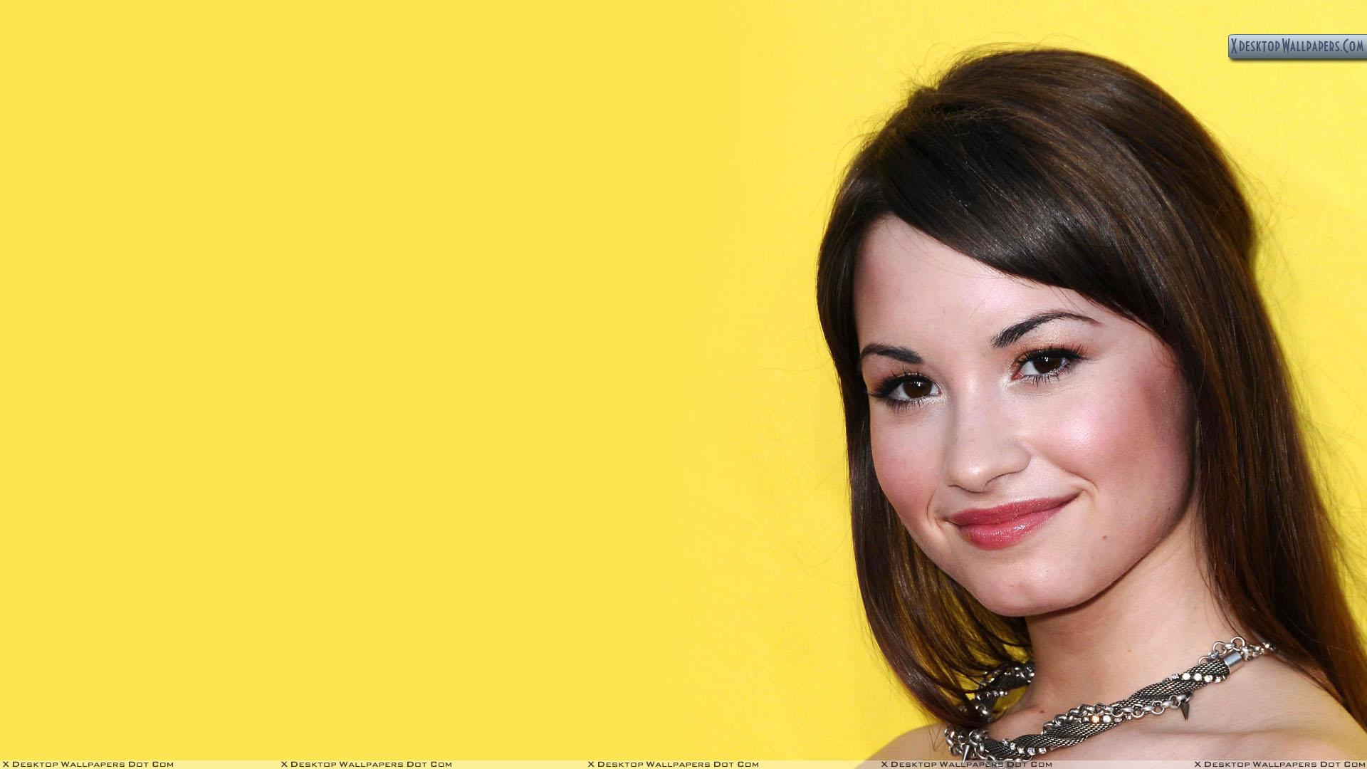 Demi Lovato Smiling Cute Face Closeup And Yellow Background Wallpaper 1920x1080