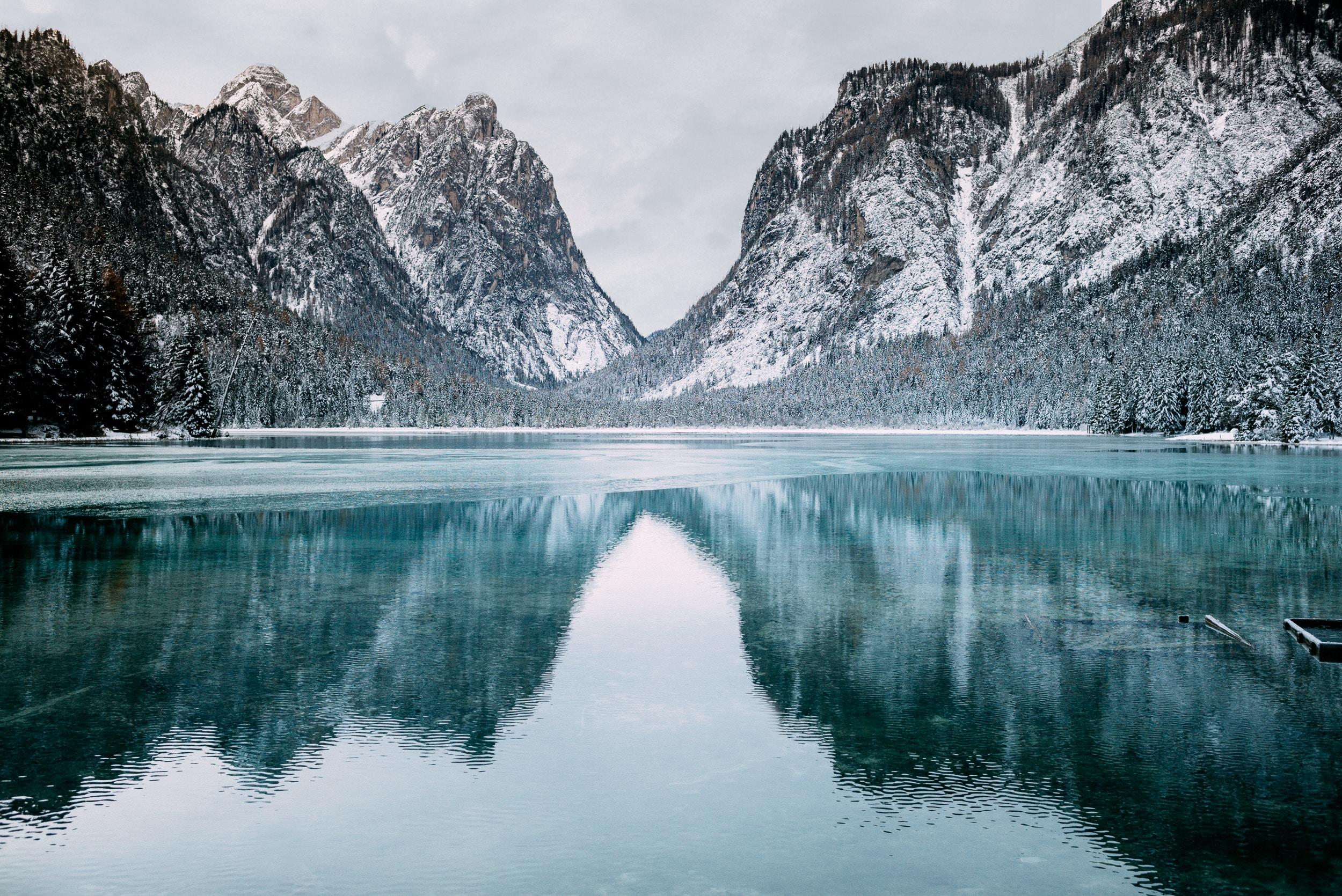 5382903 2500x1670 river images landscape rock frozen 2500x1670
