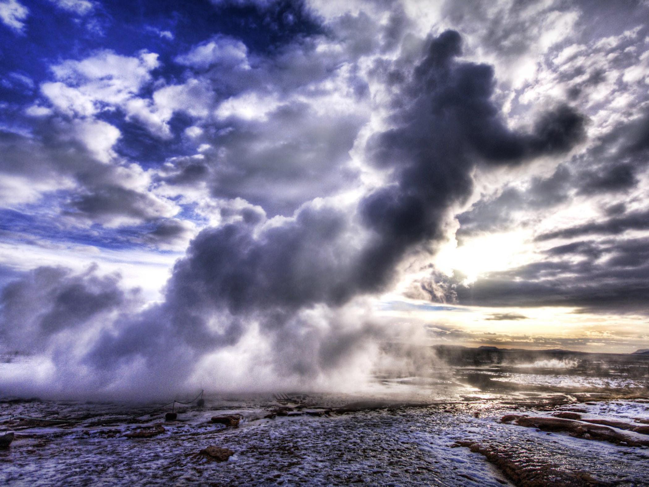 photo Geothermal Background   Mud Intense Soil 2100x1575