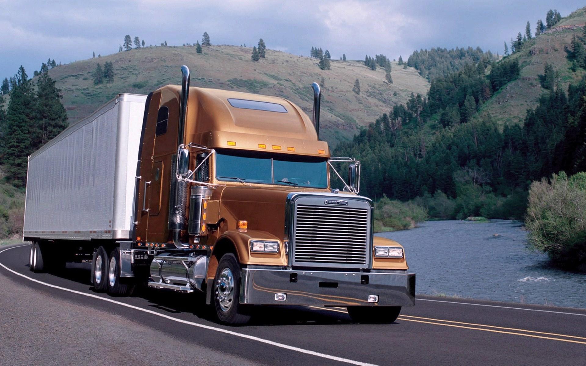 Download Semi Truck Wallpapers 1920x1200