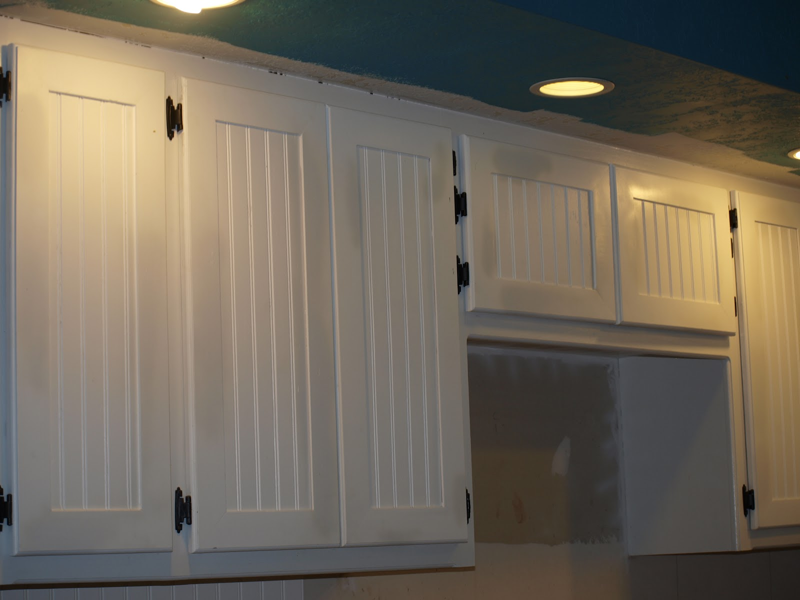 Beadboard Kitchen Cabinets Doors 1600x1200