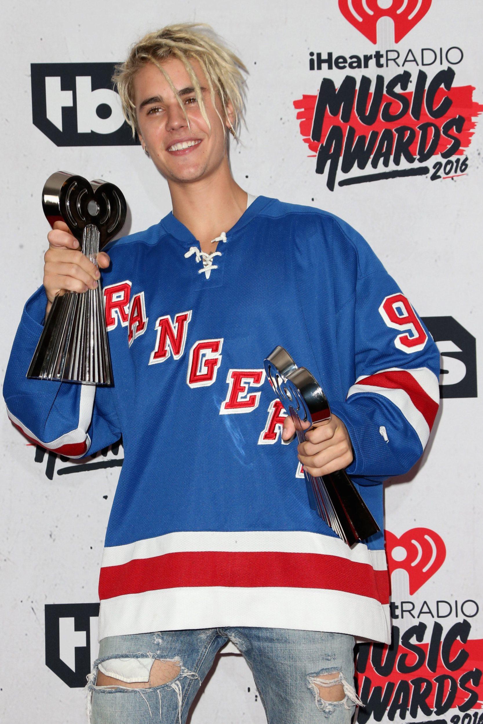 Justin Bieber iHeartRadio Music Awards 2016   Justin 1667x2500