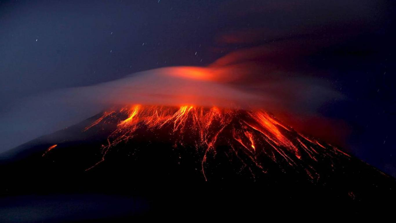 1440900 Download FREE Widescreen HD Buring Volcano Wallpaper 1366x768