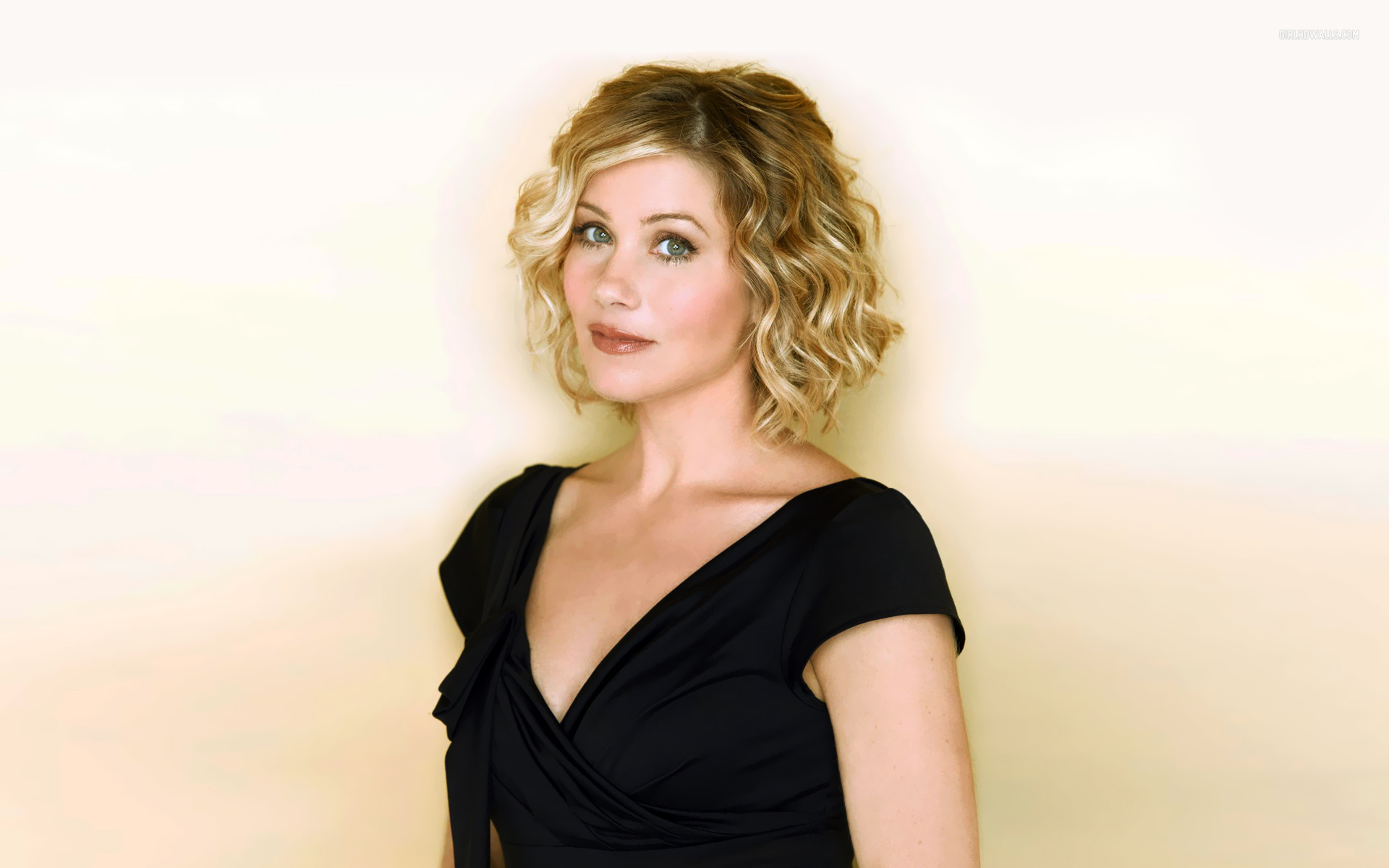 Christina Applegate Wallpapers High Resolution and Quality 1920x1200