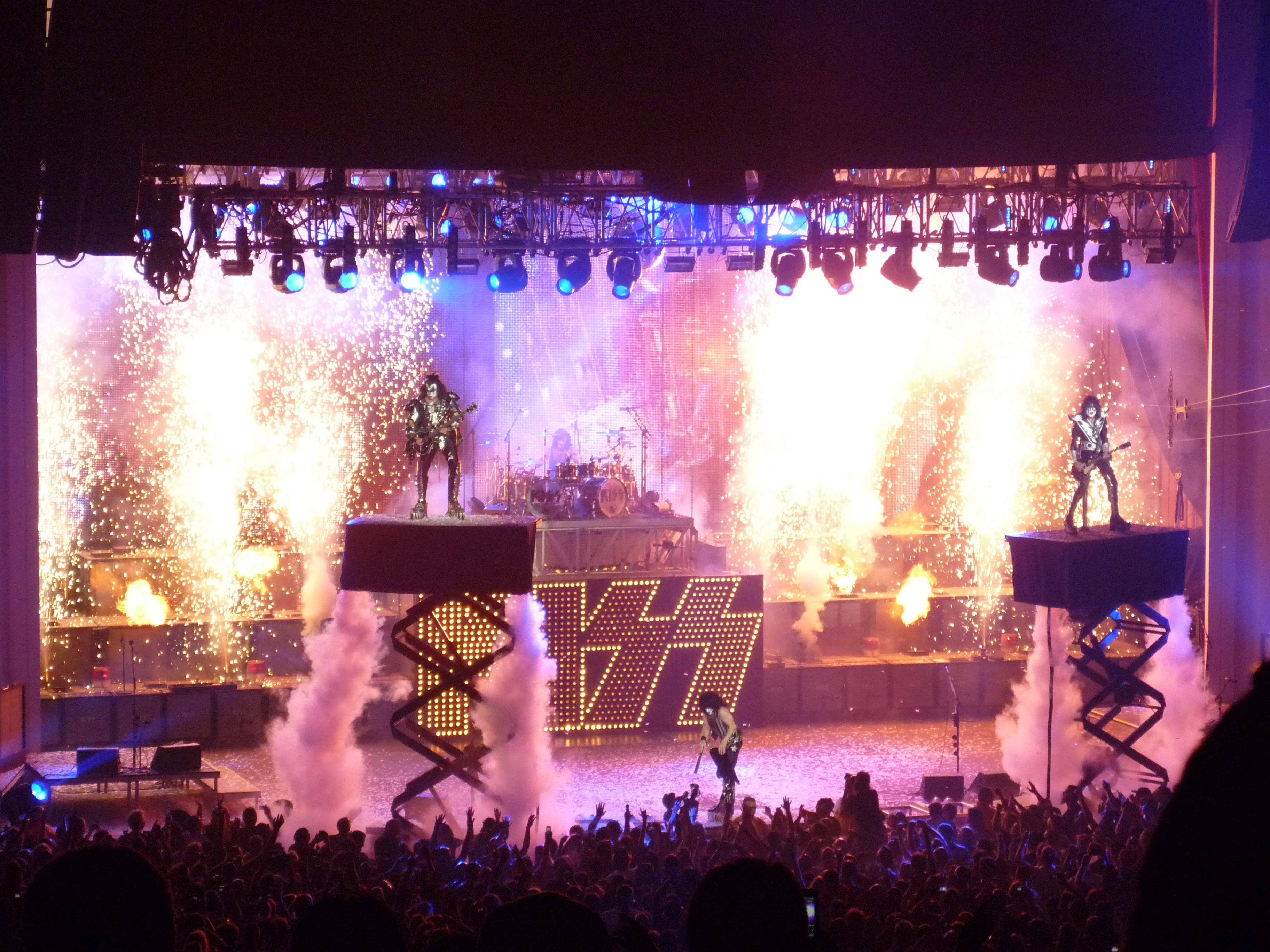 Kiss heavy metal rock bands concert f wallpaper background 3648x2736