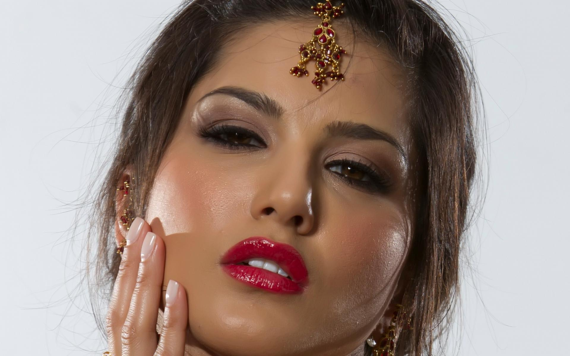 sunny Leone Adult Women Actress Models Brunettes Sexy 1920x1200