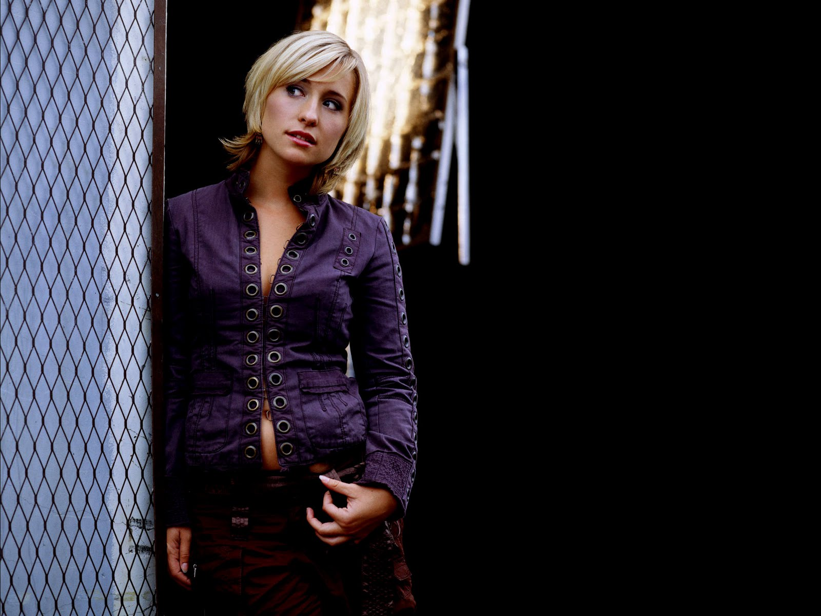 Allison Mack Hot Pictures Photo Gallery amp Wallpapers 1600x1200