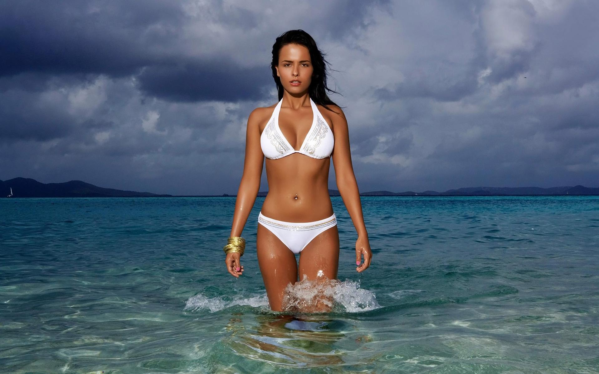 Beach Girl Bikini Desktop Wallpaper 720 1920x1200 px 1920x1200