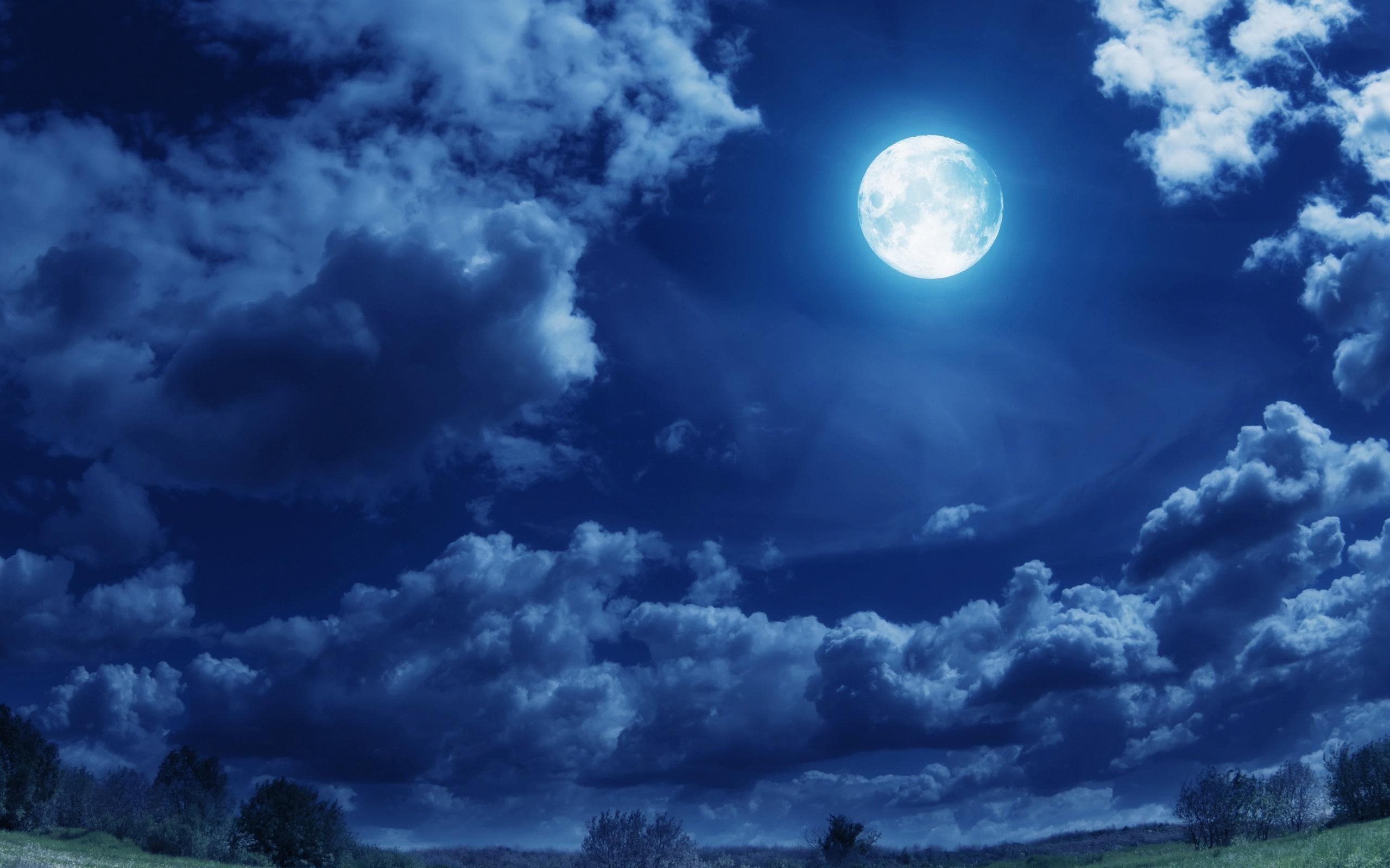 Wallpaper night sky full moon clouds moon desktop wallpaper 2560x1600
