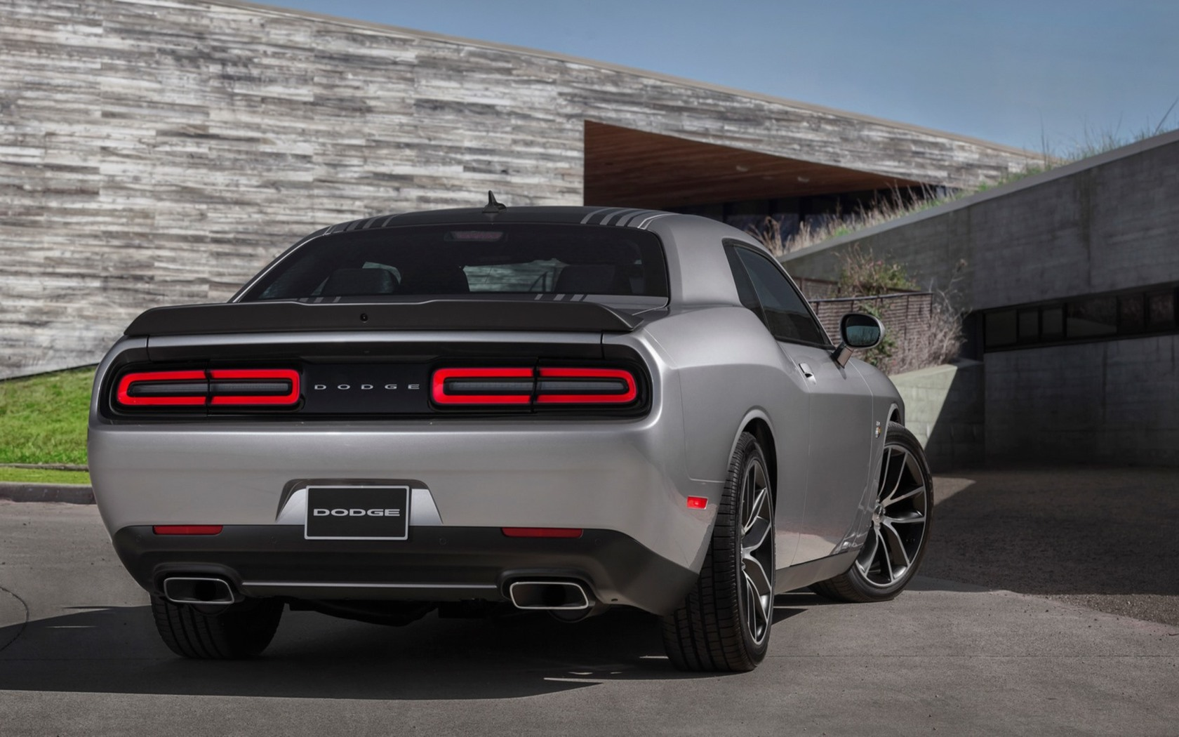 2015 Dodge Challenger Widescreen Wallpaper   13808 1680x1050