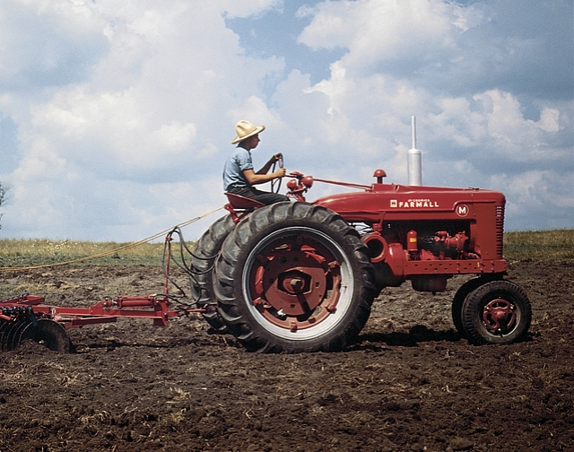 Farmall tractor wallpaper wallpapersafari - Farmall tractor wallpaper border ...