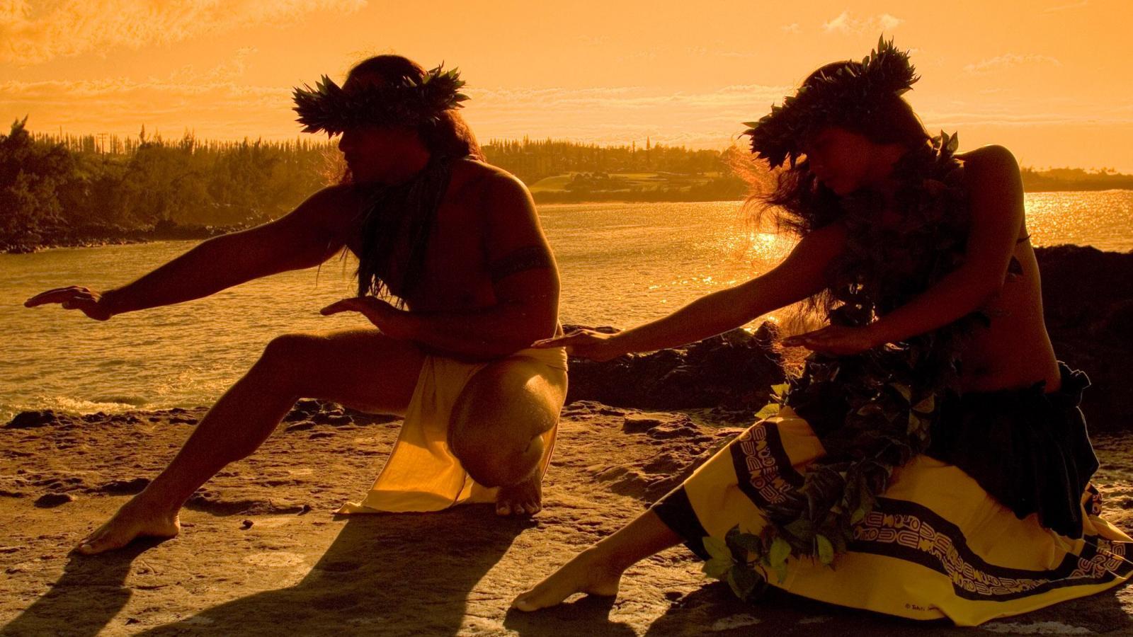Hawaiian dancers on beach at sunset hawaii HQ WALLPAPER   130757 1600x900