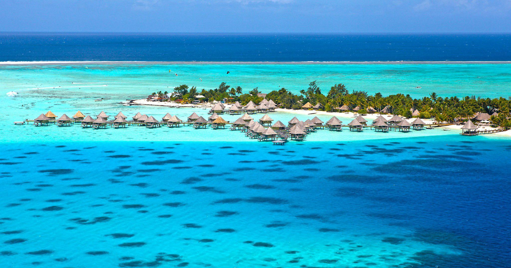 Lagoon Tropical Island: Tropical Lagoon Wallpaper