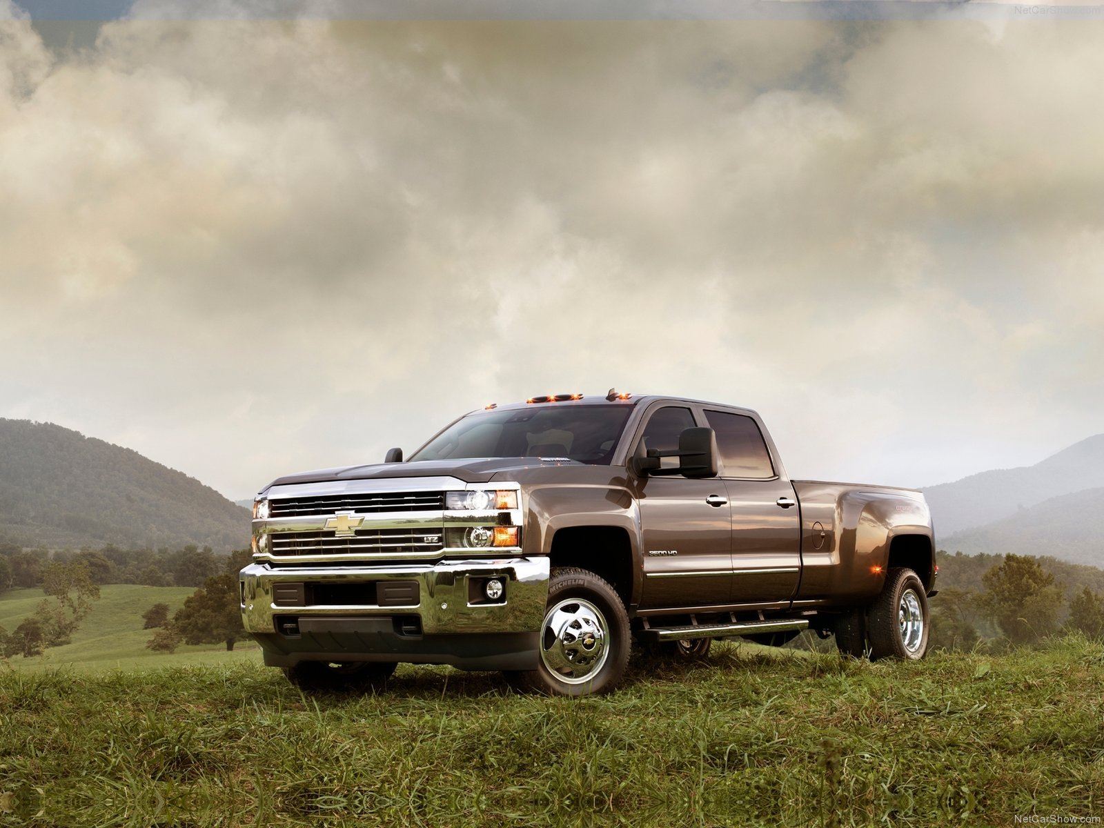 Brown CHevrolet Silverado Wallpaper HD 15662 Wallpaper Wallpaper 1600x1200