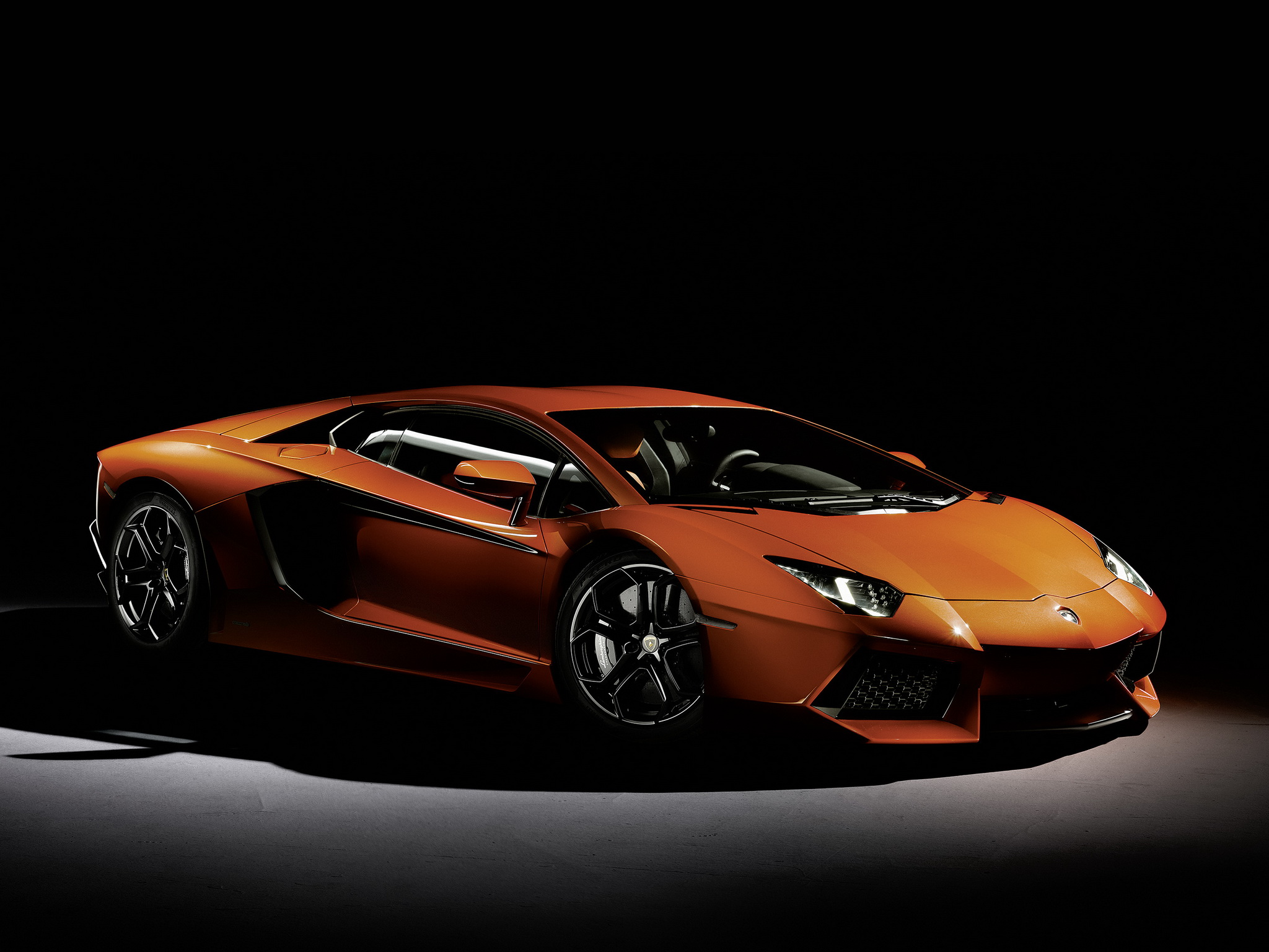 Lamborghini Aventador Night 20481536 130333 HD Wallpaper Res 2048x1536