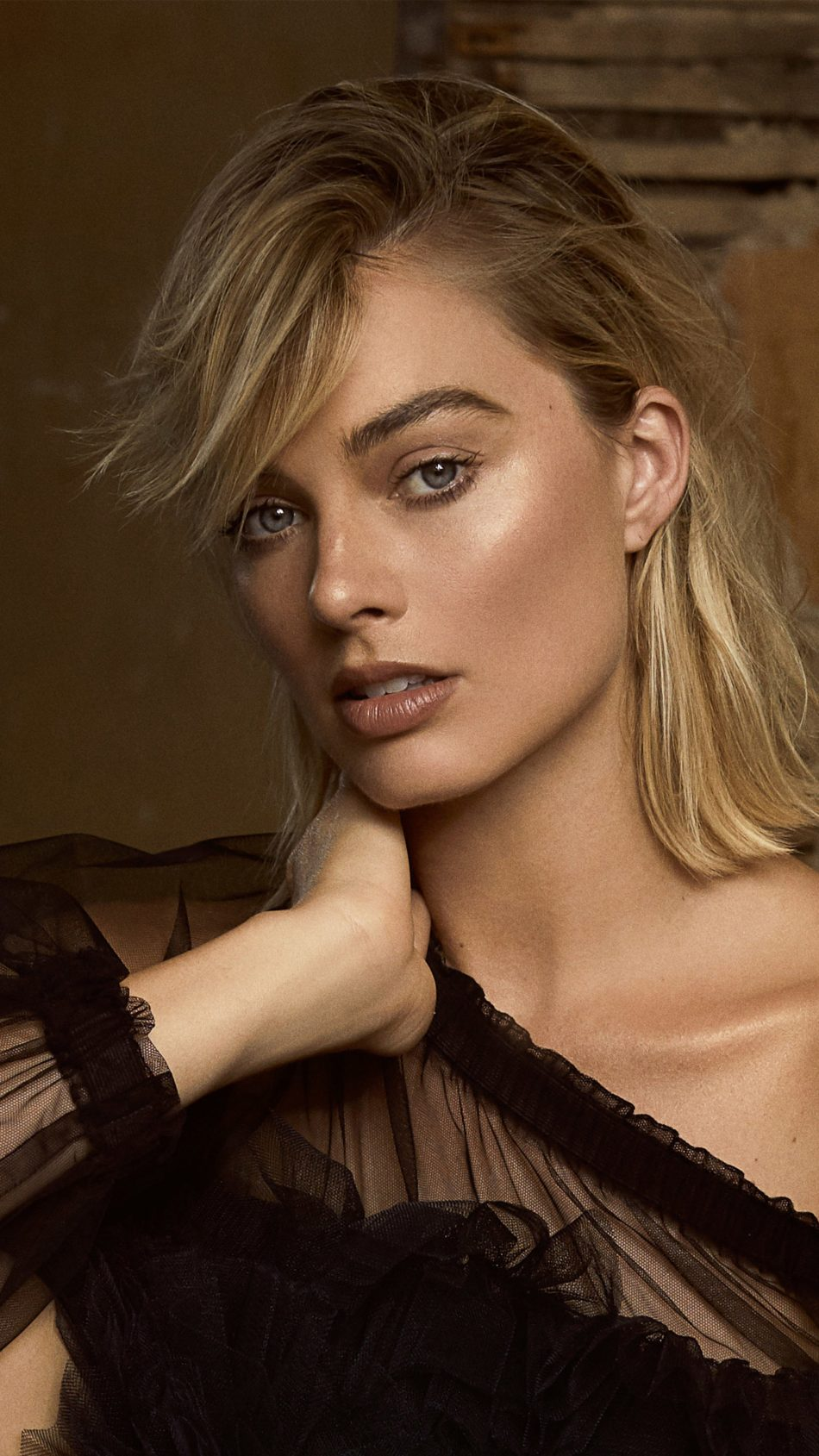 Download Margot Robbie 2019 Pure 4K Ultra HD Mobile Wallpaper 950x1689
