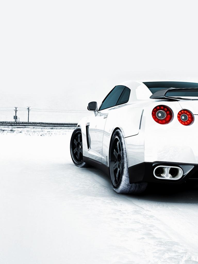 768x1024 Nissan GTR Winter Ipad mini wallpaper 768x1024