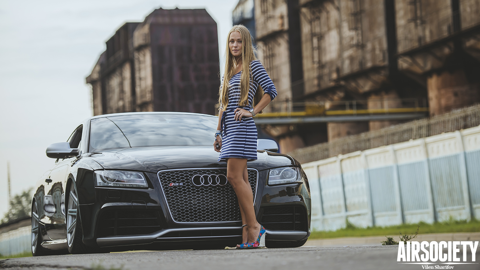 Airsociety Lady Driven Audi RS5 on Vossen Accuair Beauty and 1600x900