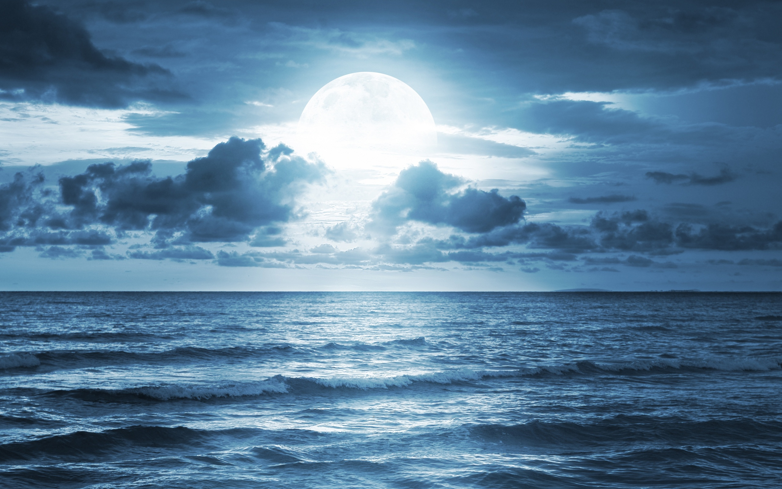 ocean sea moonlight dramatic scene full moon beautiful nature 2560x1600