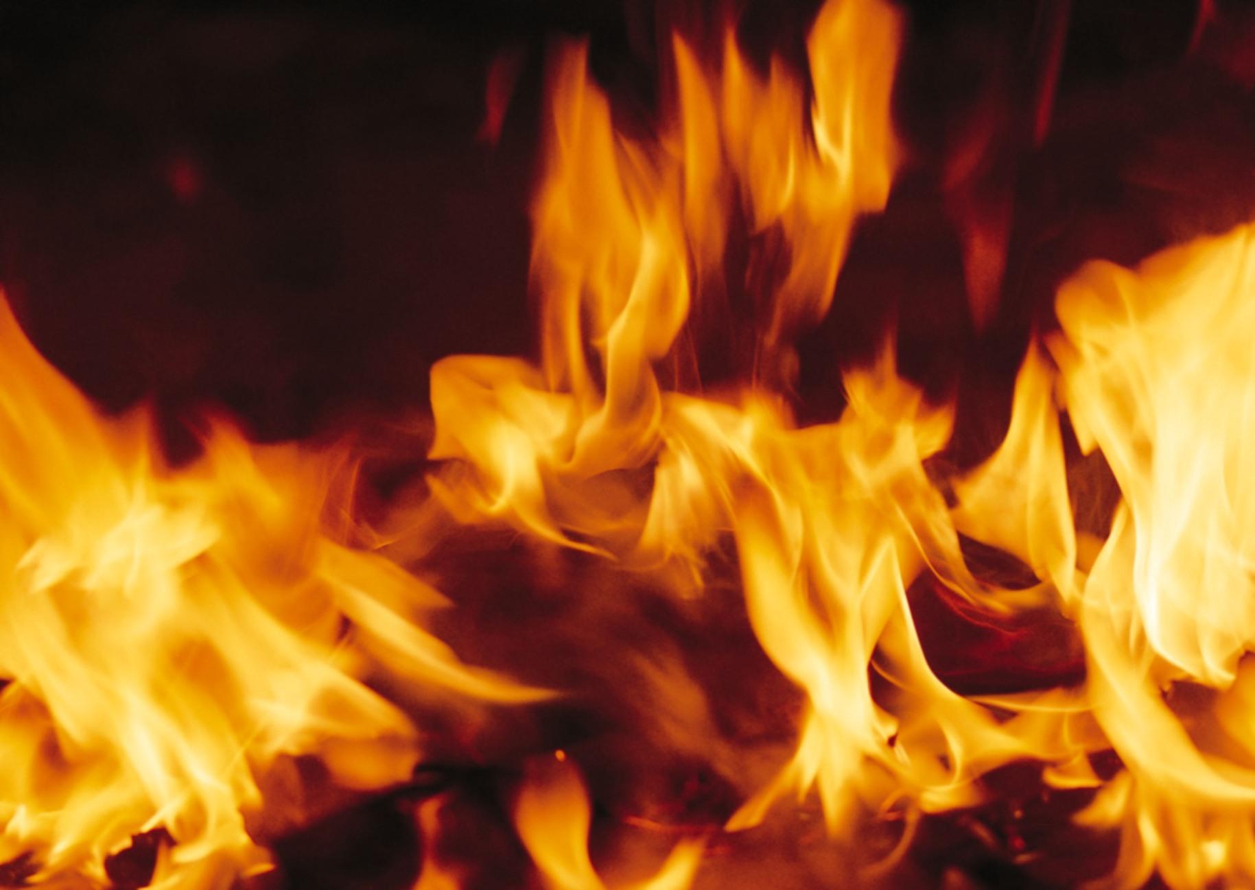 48 Animated Fire Desktop Wallpaper On Wallpapersafari