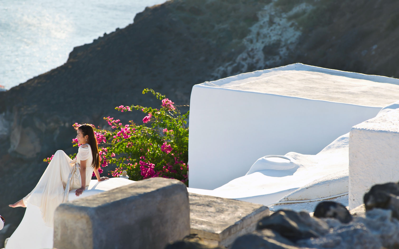 Santorini Weddings in Oia Santorini Honeymoon Hotels 1680x1050