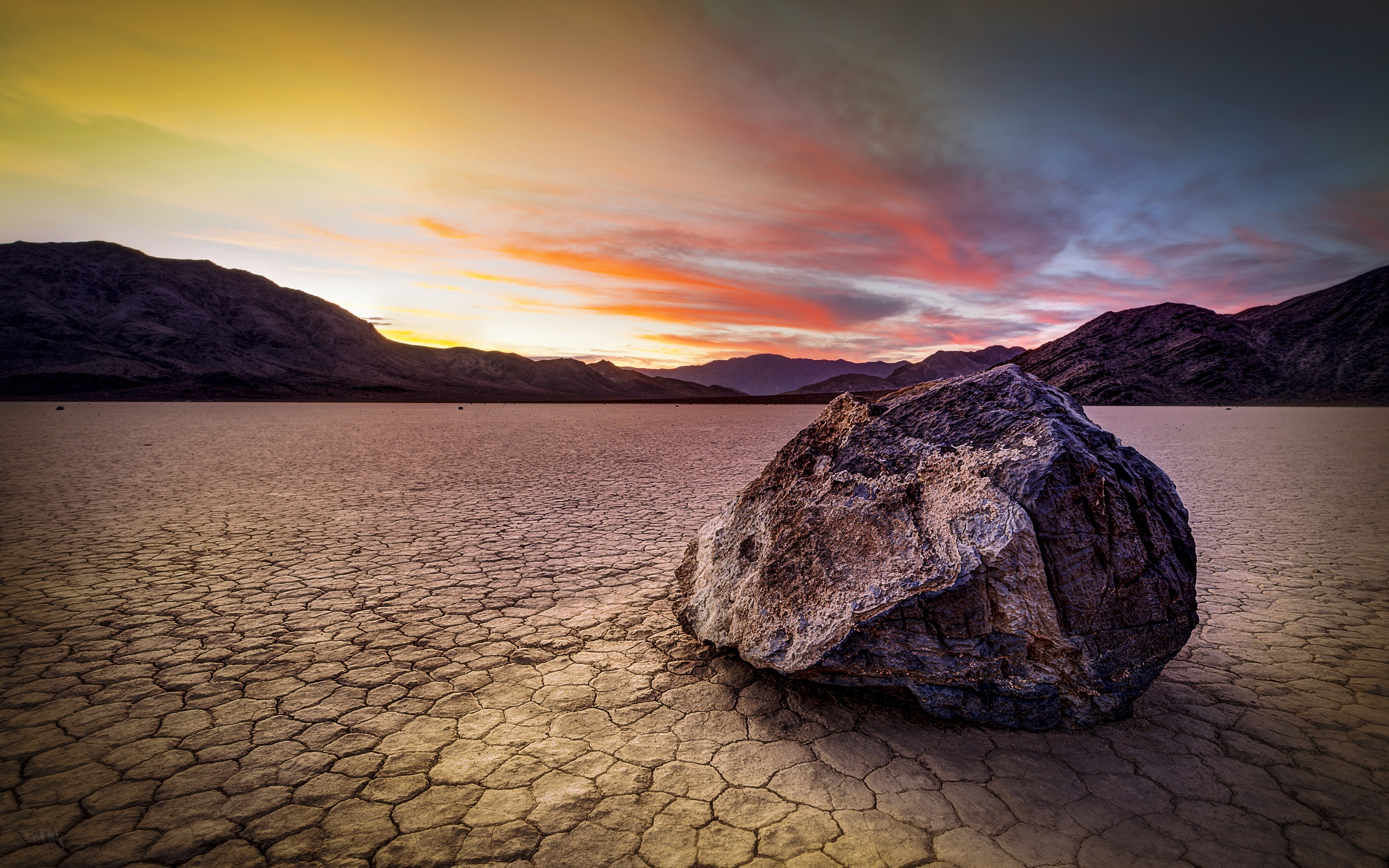 Death Valley Location HD Wallpaper Background Images 2880x1800