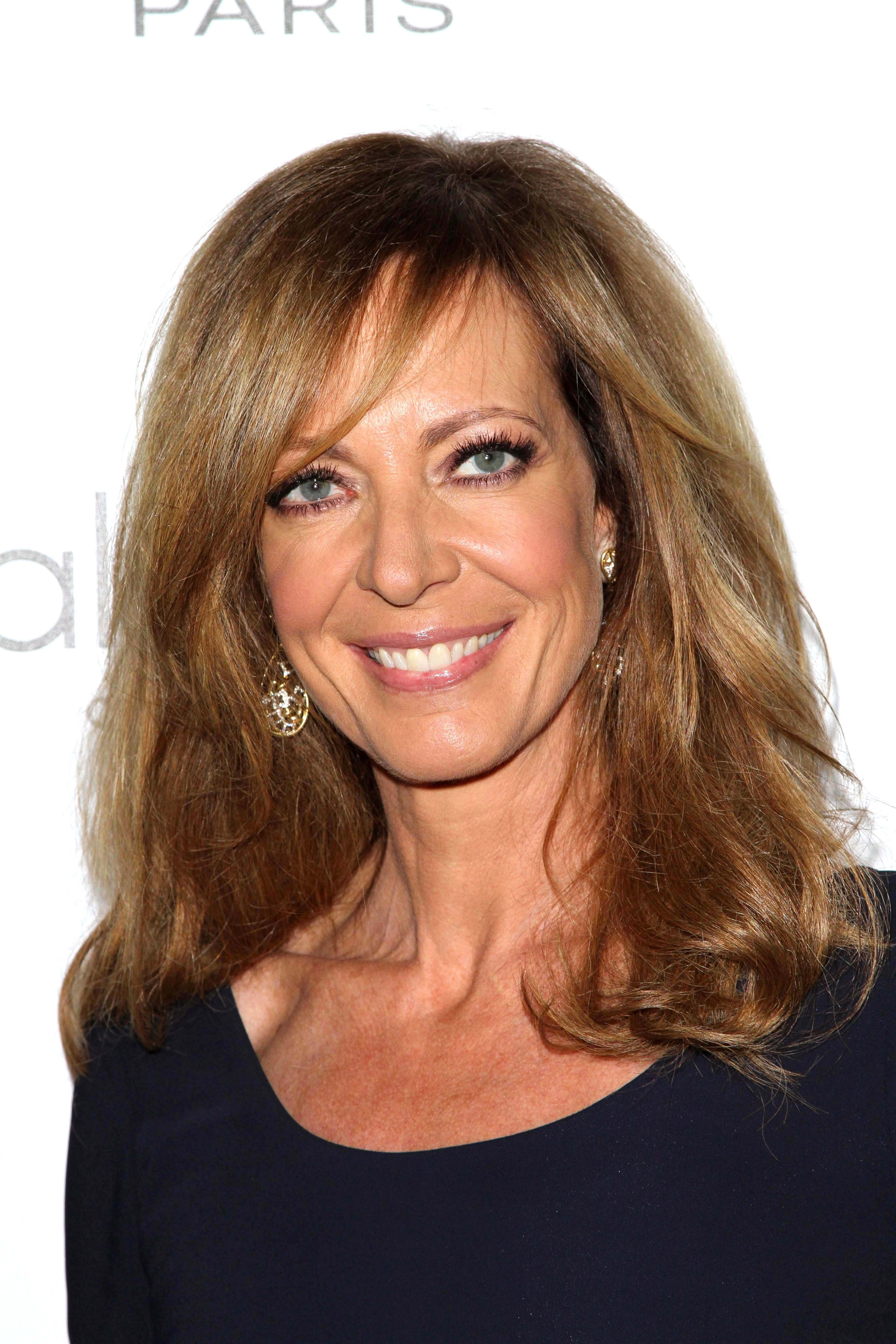 Allison Janney HD Desktop Wallpapers 3456x5184