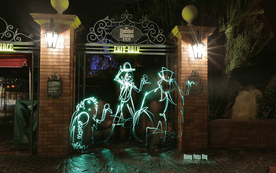 Disney Parks Blog Light Painting Wallpaper Disney Parks Blog 900x563