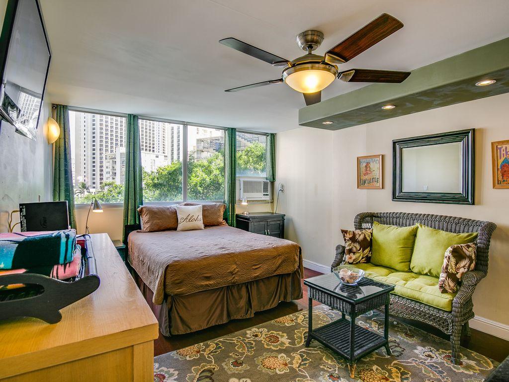 Studio 605 at the Waikiki Grand Hotel Hawaii   Waikiki 1024x768