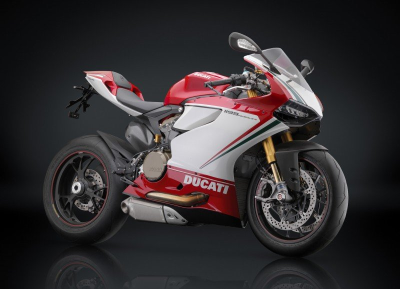 Here you can see new 2015 Ducati 1199 Panigale Photos 800x578