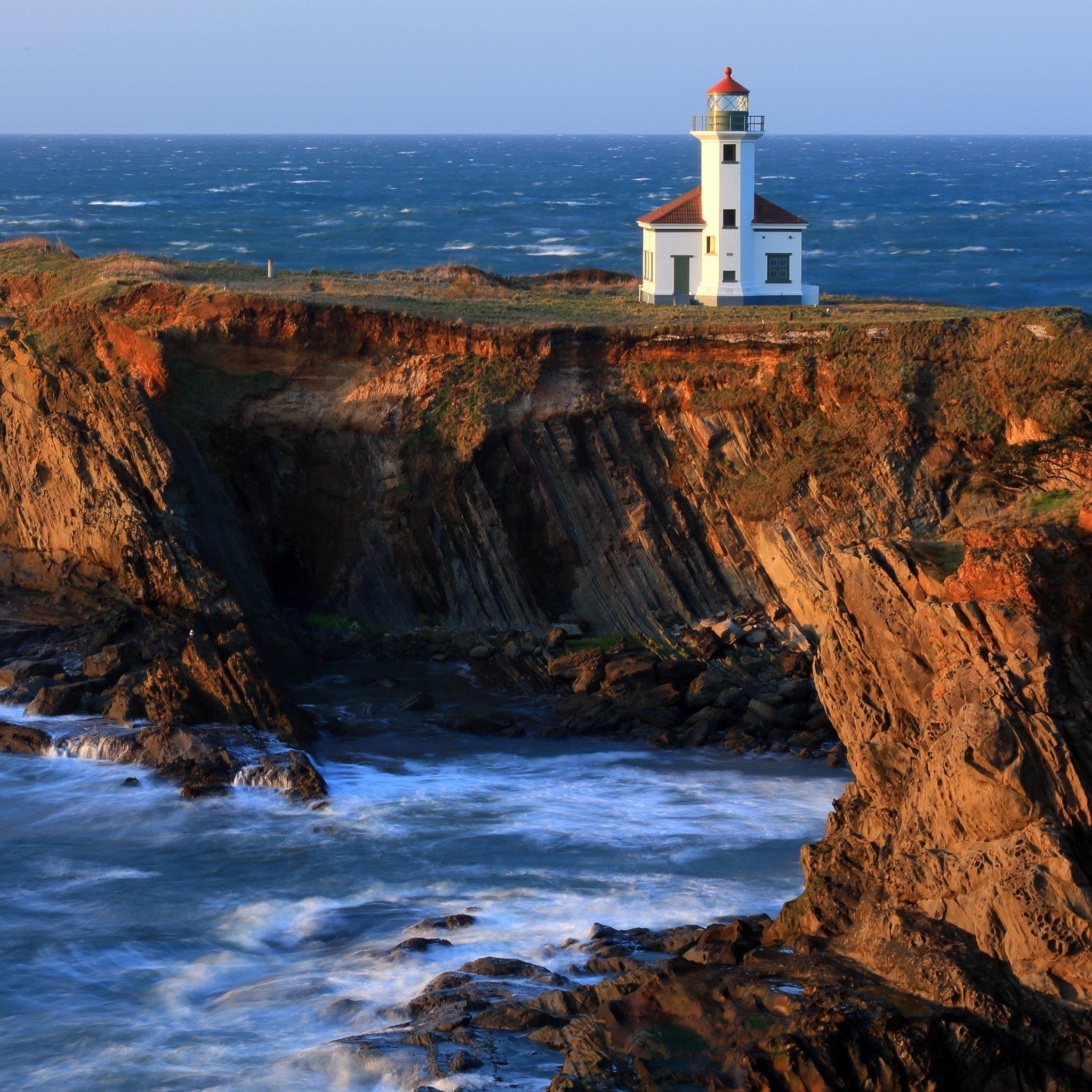 4K Lighthouse Wallpaper