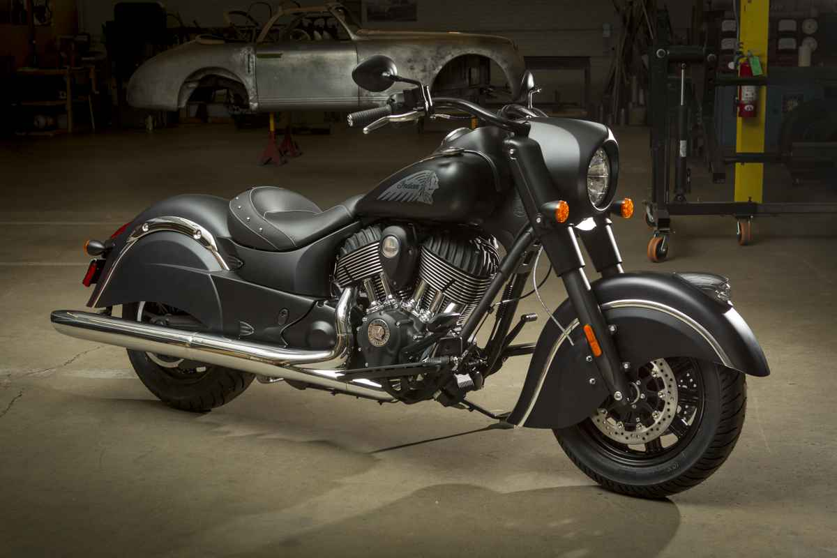 INDIA ON ROADS 2016 Indian Chief Dark Horse First Look 1200x800