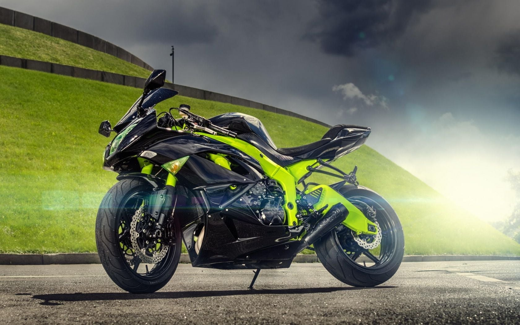 Zx6r HD Widescreen Backgrounds DSC100816565jpg 1680x1050