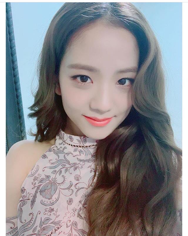 Kim jisoo Blackpink wallpaper   Home Facebook 640x803