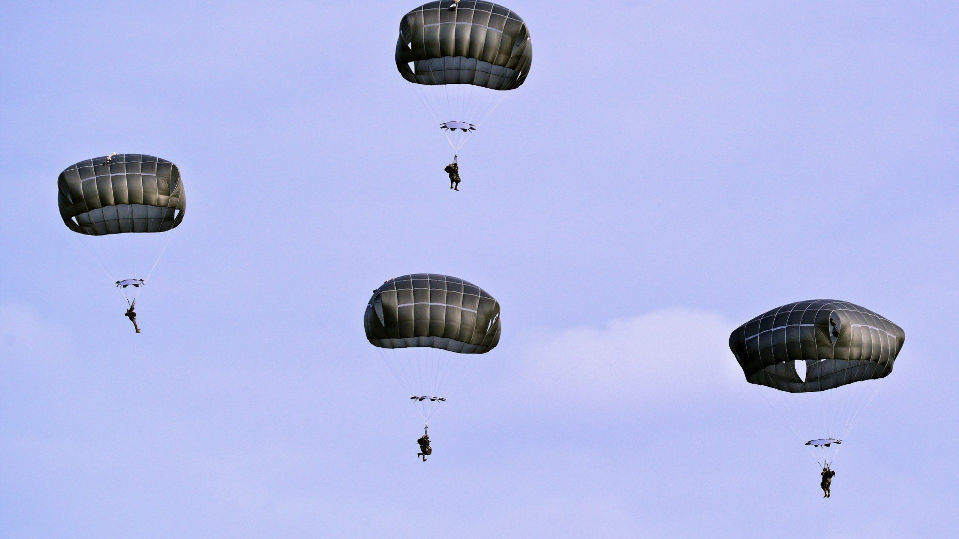[48+] Paratrooper Wallpaper Images on WallpaperSafari