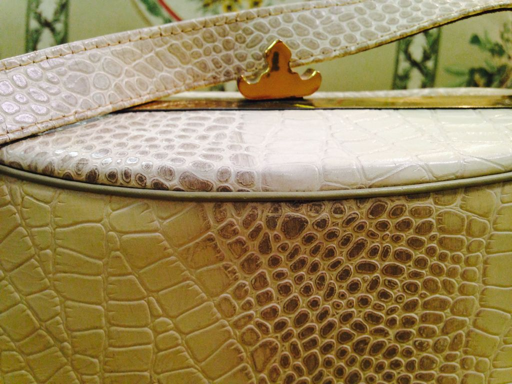 Vintage Faux Ivory Alligator purse from pastmeetspresent on Ruby Lane 1024x768
